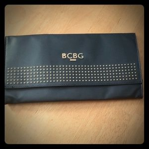 BCBG clutch